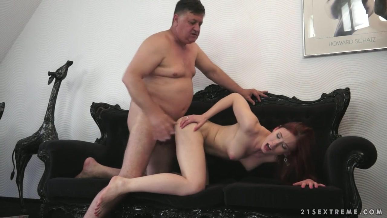 Секси вид папа трахает дочку