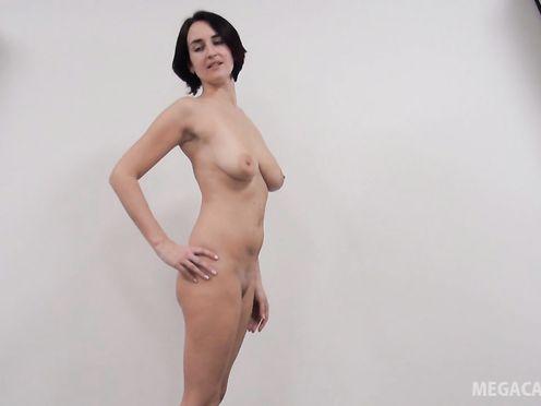 Девушка пришла на кастинг для съёмок в порно фильме