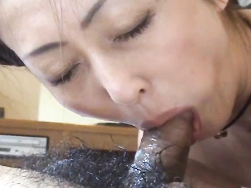 Казахская мать сосёт член у своего сына