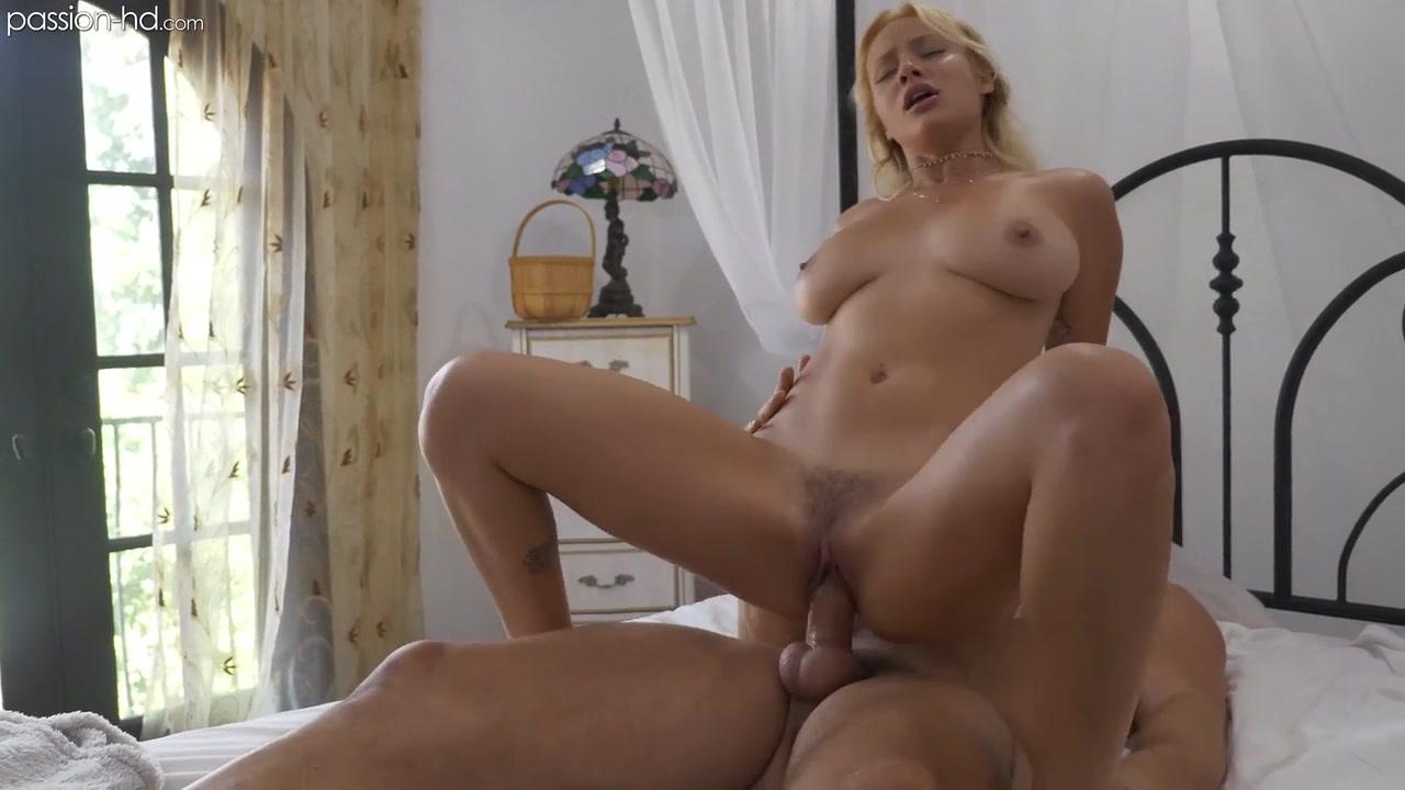 Порно у неё дома