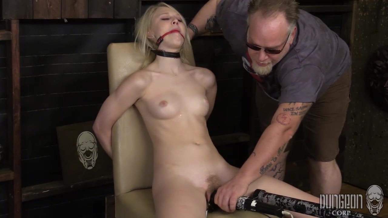 Отчим бухой принудил дочку к сексу онлайн