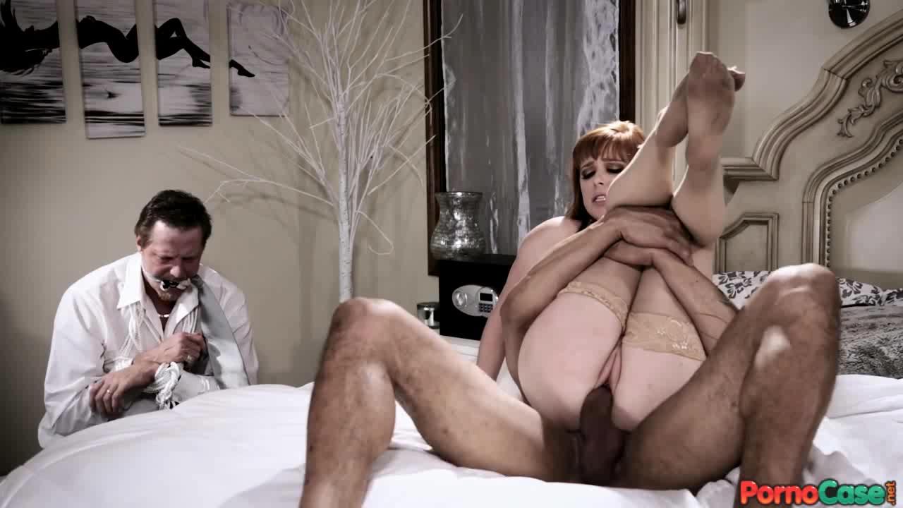 Жена изменяет мужу на глазах порно
