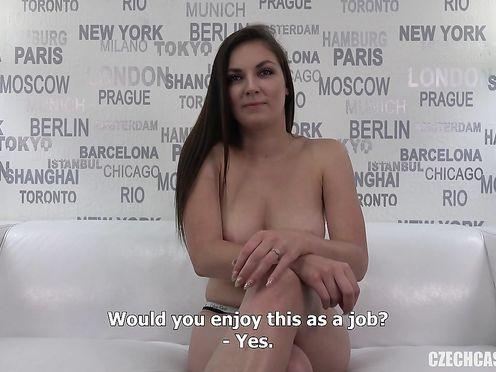 Кастинг порно модели закончился крутой еблей