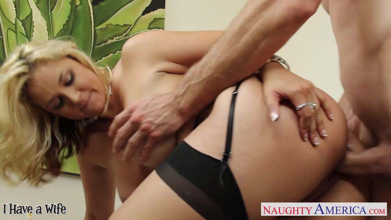 Видео порно белокурая молодая двойное