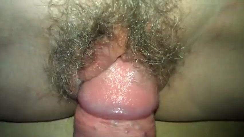 novinki-porno-video-krupnim-planom-video-zrelaya-razdevaetsya-na-kuhne-i-masturbiruet