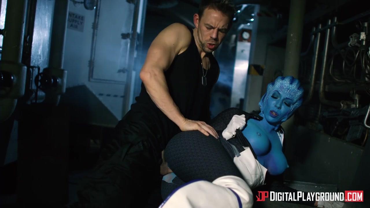 Смотреть секс мужик трахает инопланетянку