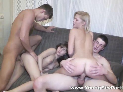 Лучшее молодежное порно видео начинающих свингеров