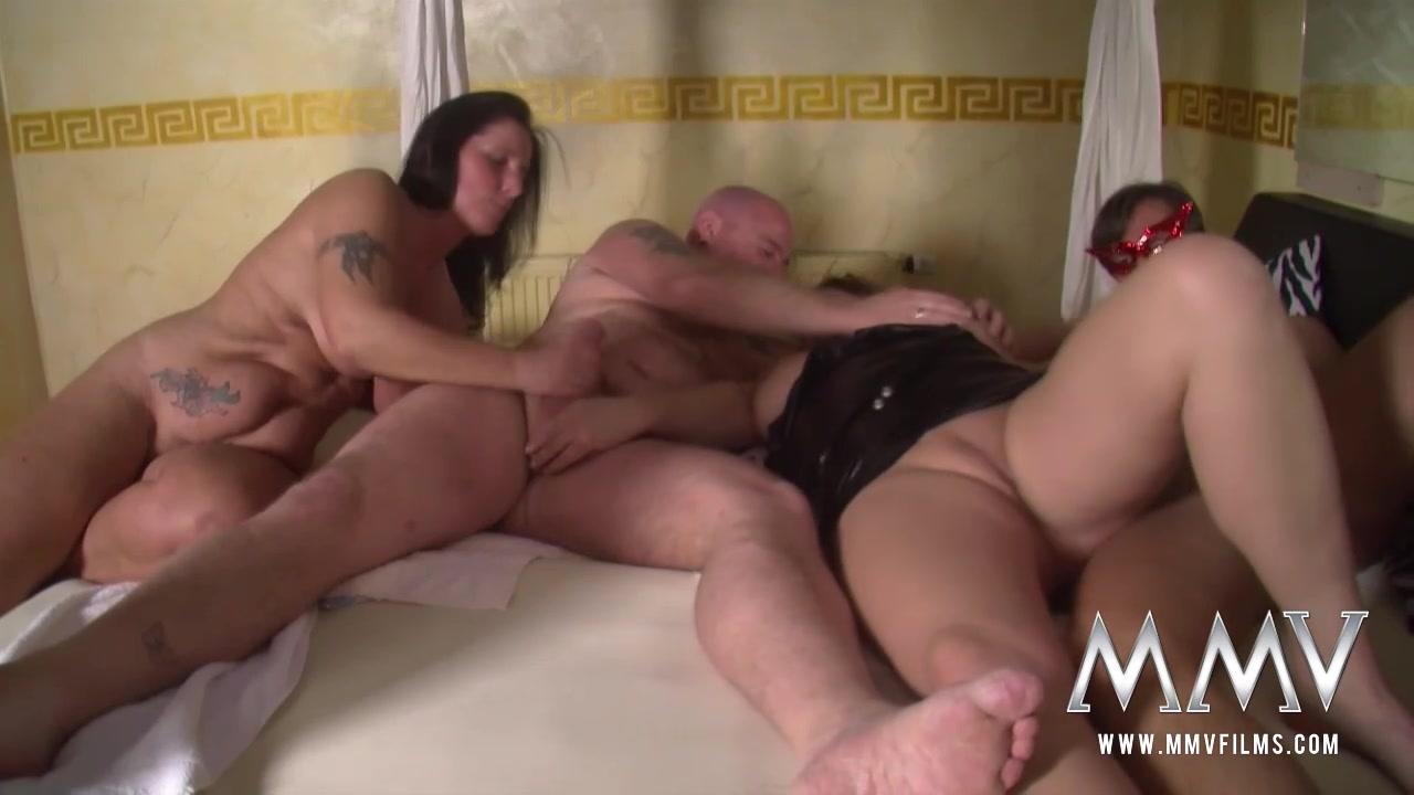 video-porno-roliki-zhestkoe-s-tolstimi-muzhikami
