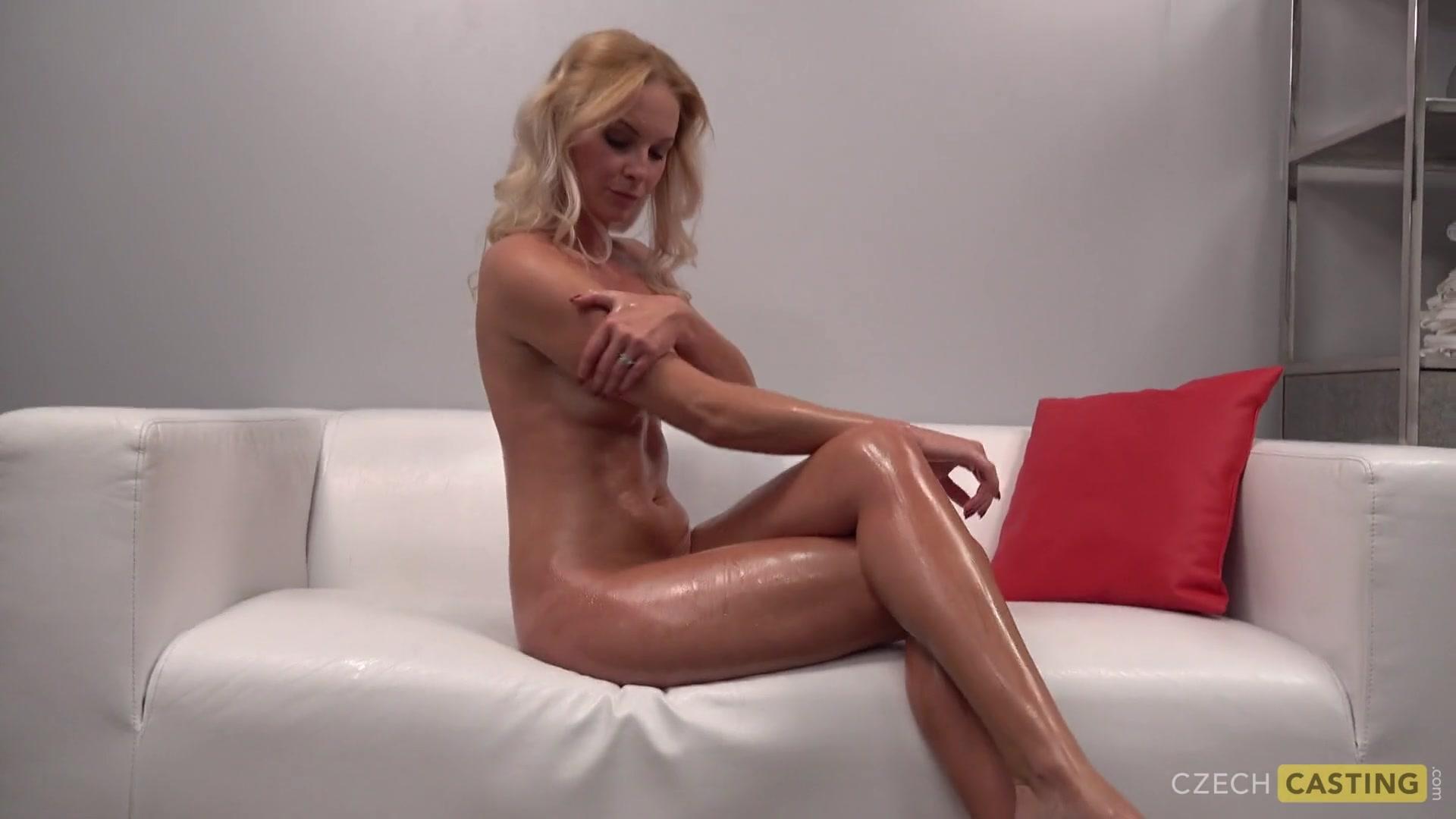 Кастинг блондинки